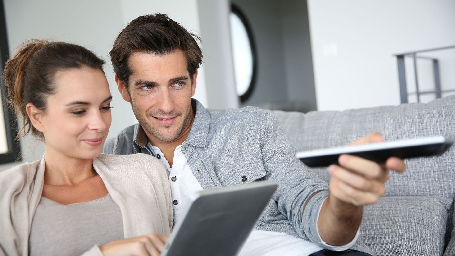 Czym charakteryzuje się cyfrowa telewizja?